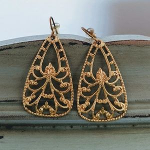K. AMATO x JEWELMINT Gold Filigree Hanging Earring
